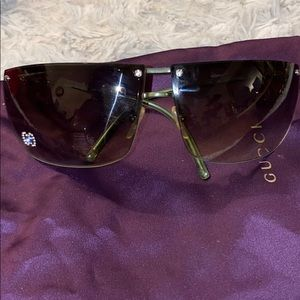 Gucci green sunglasses with crystal gg